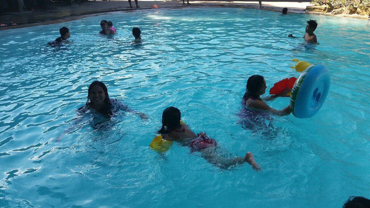 pool with kids