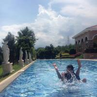Talisay Azienda Milan Enjoying our day playing at the pool