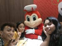 Selfie with Jollibee