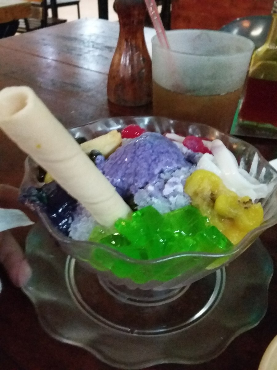 Halo Halo, at Mang Inasal