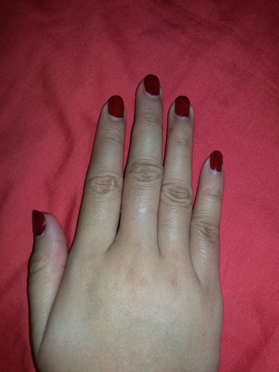 Red nails,