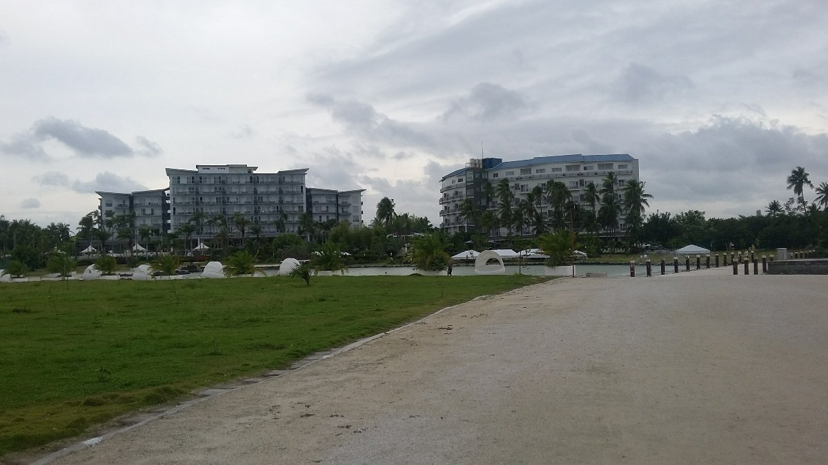 Solea and Sandbar resort