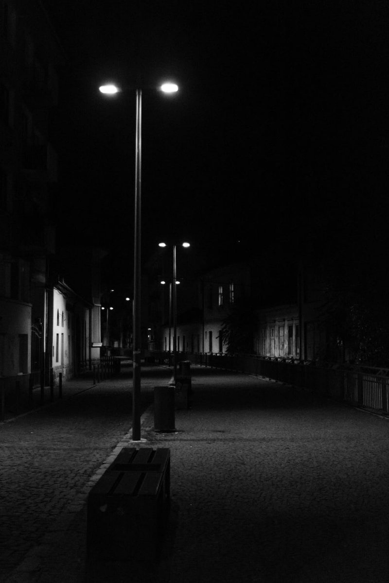 Streetlights, postlamps, black and white