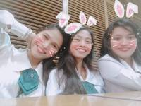 Vacant time calls for a groufie with my college friends#bunnyfriends