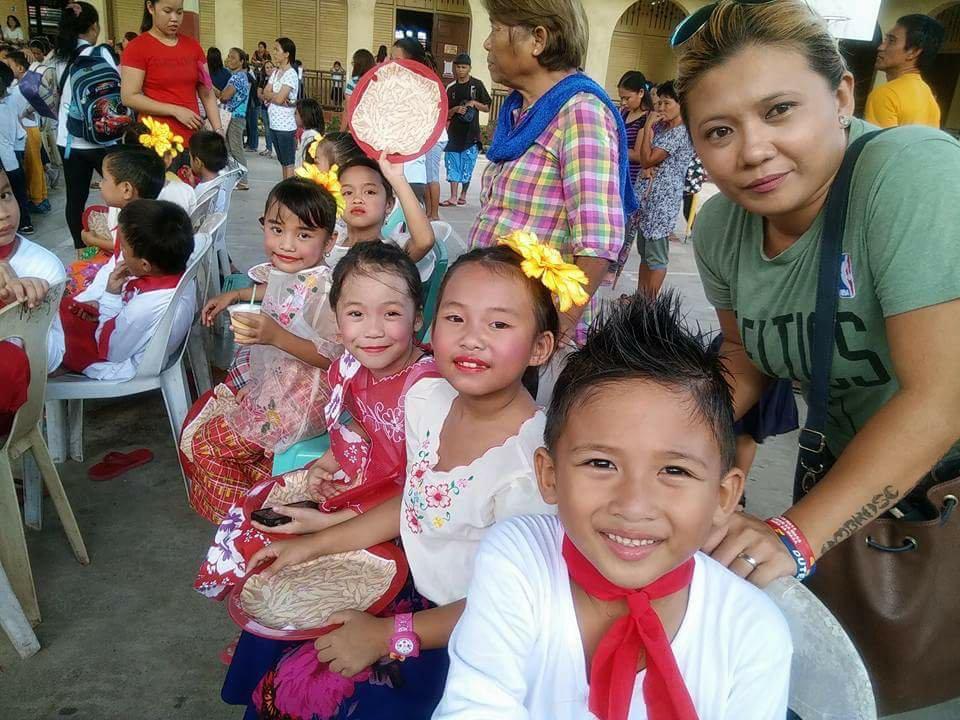 Linggo Ng Wika grade 2 kids Filipino costumes  sc 1 st  Uploadandwin.com & Linggo Ng Wika grade 2 kids Filipino costumes Photo uploaded by ...