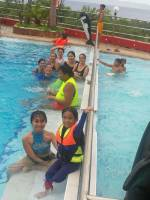 swimming with this people