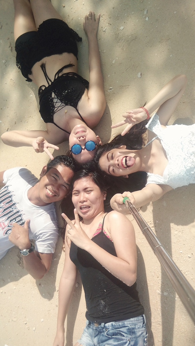 Signatory selfie with the squad #beach #workmates #restday #teambuilding